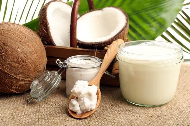 4 Kelebihan Minyak Kelapa Sebagai Pasta Gigi