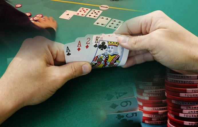 Tips Bermain Poker Online Agar Bisa Menjadi Pemain Pro